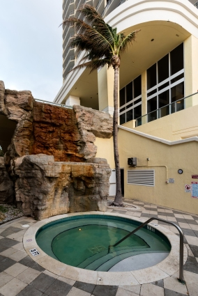 Jacuzzi at the DoubleTree Ocean Point Resort